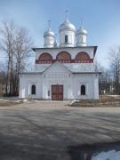 Церковь Святой Троицы -  находится на правобережной стороне города, точная дата первоначального строительства  не известна