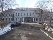 Детская школа искусств. Адрес: ул. Т. Фрунзе, д. 17 а,  Телефон: +7 (81652) 3-32-87, Директор Л.В. Гуськова.